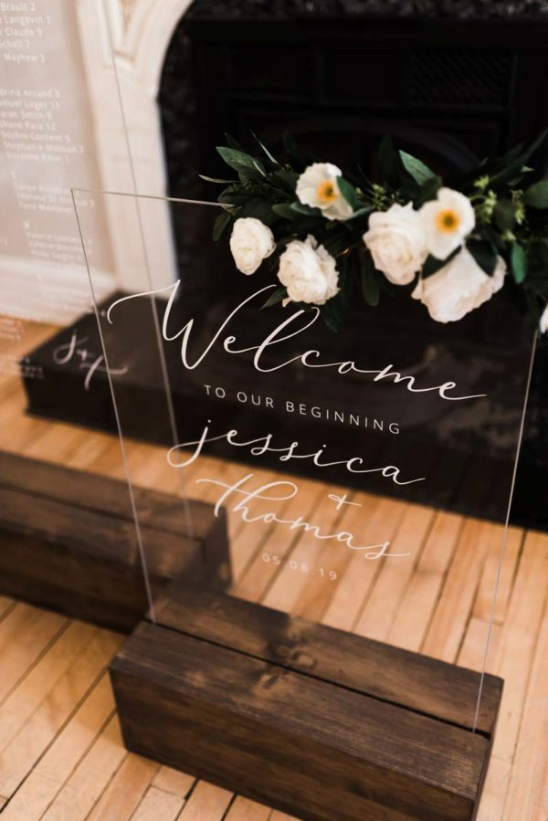acrylic and wood signs - Decor Rental - Mlle Artsy