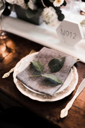 graphite linen napkin - Decor Rental - Mlle Artsy