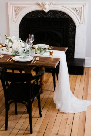 Offwhite veil table runner - Decor Rental - Mlle Artsy